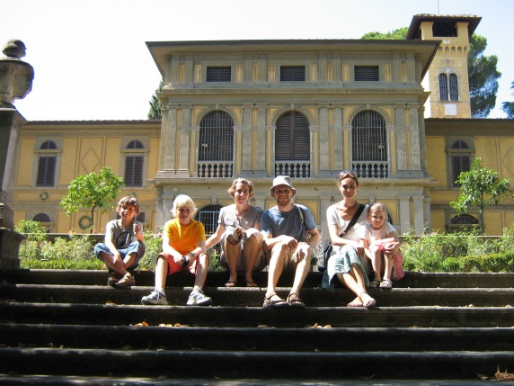 Museo Stibbert (Paula is 3rd from the left)